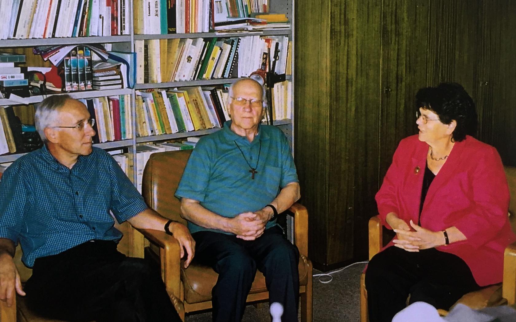 De gauche à droite: Clau Lombriser, Jean de la Croix Kaelin, Ruth Dreifuss